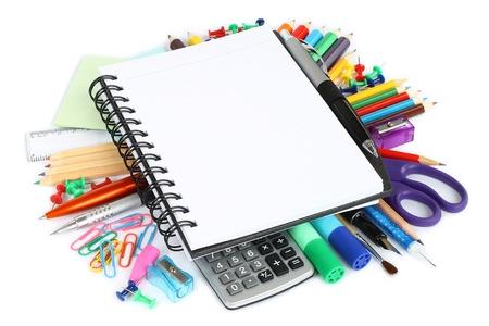 papeteria: Pozycje piśmiennicze na białym tle