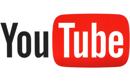 KIEV, UKRAINE - MAY 26, 2015: YouTube logotype printed on paper. YouTube is a video-sharing website. The service was created by three former PayPal employees in February 2005 Imagens - 42130785