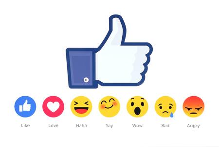 Kiev, Ucrânia - 26 de fevereiro de 2016: Novo Facebook como botão 6 Reacções Empathetic Emoji impressos em papel branco. Facebook é um serviço de rede social bem conhecido.