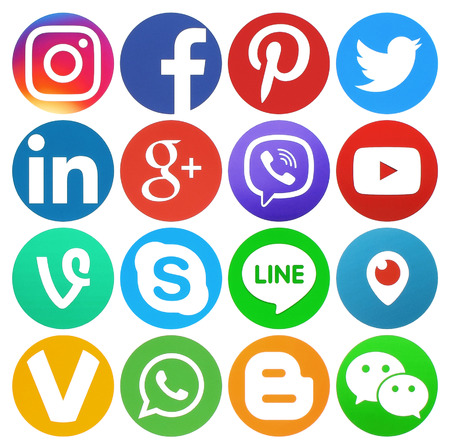 Kiev, Ukraine - March 13, 2017: Collection of round popular social media logos printed on paper: Facebook, Twitter, Google Plus, Instagram, LinkedIn, Pinterest, Vine, Youtube and others 報道画像