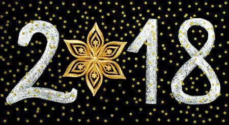 Conceito de férias de Natal e Ano Novo com giz número 2018 e estrelas em fundo preto