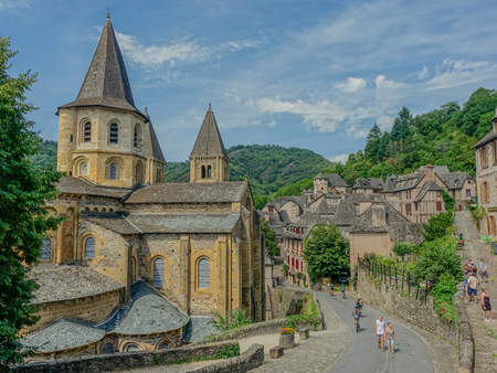 View of the medieval village of Conques and the Abbey Church of Saint Foy Editorial