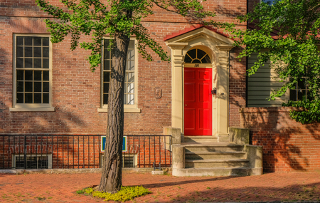 Annapolis, Maryland, USA - May 15, 2018: Typical houses in the historic district of Annapolis, Maryland Foto de archivo - 111250393