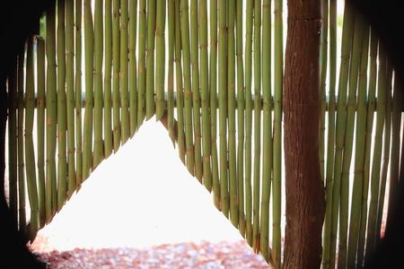 orificio nasal: pared de ca�a de bamb� del restaurante al lado de la autopista A flor de agua que pasa a trav�s Aseeb-Semera zona de la ciudad-Administrativo 1-Afar-regi�n de Etiop�a. Foto de archivo