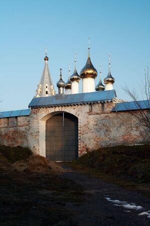 reverential: Antico convento in Gorokhovets, la Russia Archivio Fotografico