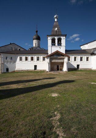 reverential: Little monastero in Ferapontovo, la Russia