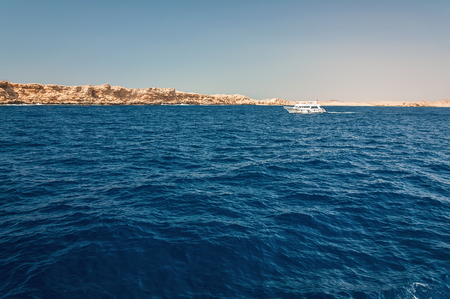 Sinai mountains and picturesque landscapes of the red sea in Egypt. Boat trip on the red sea 版權商用圖片