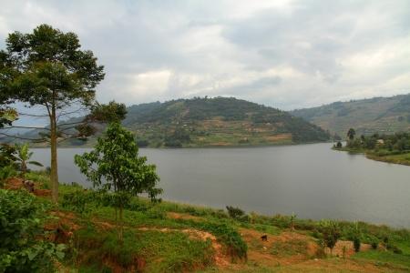 bunyoni: Communites along the shoreline of Lake Bunyoni in Uganda  Stock Photo