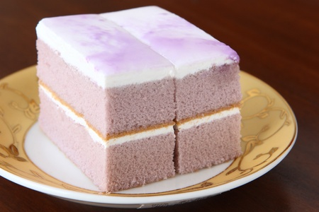 taro: Delicious  cake with purple cream