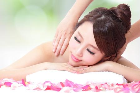 Голая девочка на массаже фото фото 215-493