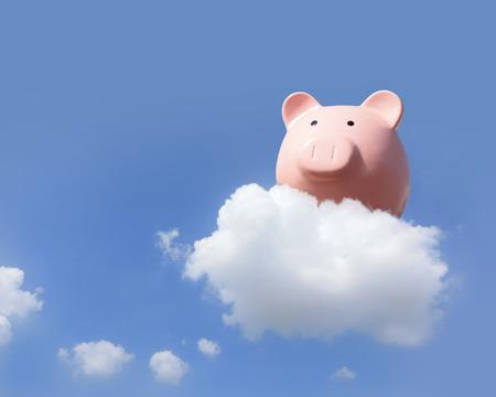 cuenta bancaria: Hucha de vuelo libre en el cielo con la nube, el concepto de negocio y la computación en nube Foto de archivo