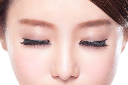 close up van aantrekkelijke vrouw gesloten ogen, Aziatische schoonheid Stockfoto
