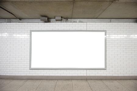 Blank billboard situé dans le hall souterrain, Londres, Royaume-Uni, Royaume-Uni