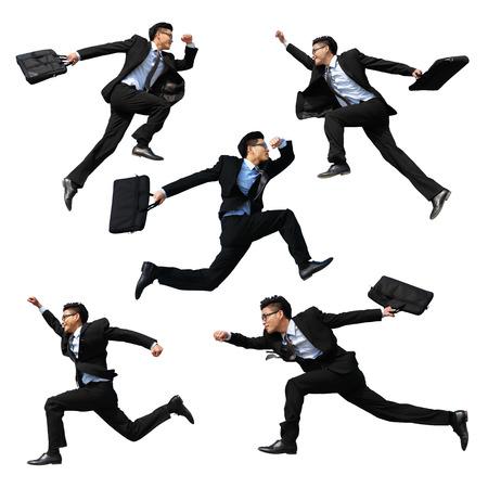 gente saltando: Exitoso hombre de negocios de salto y correr aislado con el fondo blanco