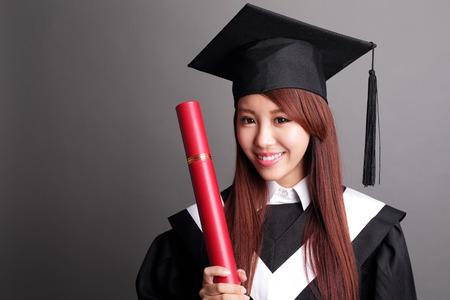 Estudiante Mujer Sonrisa De Graduarse Y Celebración De Su Título ...