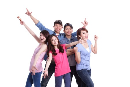 grupos de personas: Grupo feliz j�venes. Aislado en el fondo blanco, asi�tico Foto de archivo