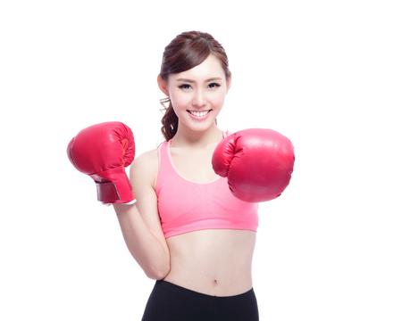 防衛: 白い背景に分離されたボクシング グローブとスポーツの女性
