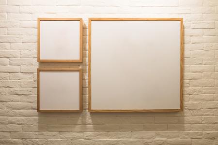 objetos cuadrados: Marco de imagen, Foto galería de arte en la pared. copiar el espacio perfecto para su diseño Foto de archivo