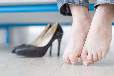 Frau athlet Fuß close up mit Gesundheit Konzept Standard-Bild - 81847255