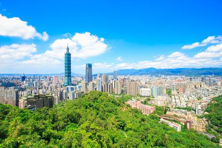 het panorama van de taipei stad van de ochtend in de Taiwan