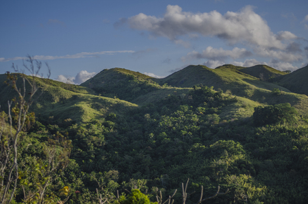 Beautiful light hits the hills in Tanay Rizal Foto de archivo