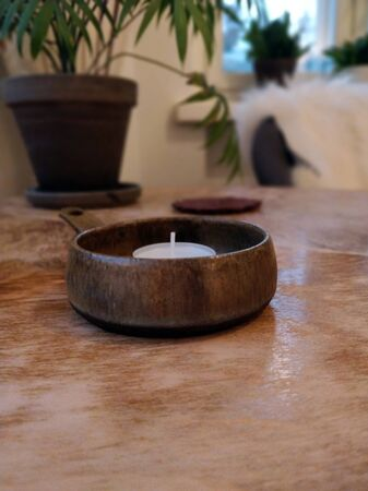 Atmospheric photo, tealight on the table