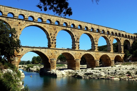 waterleiding: Romeinse waterwerken Pont Du Gard, Zuid-Frankrijk Stockfoto