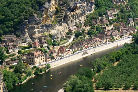 Village of La Roque Gageac on the banks of the Dordogne River, France