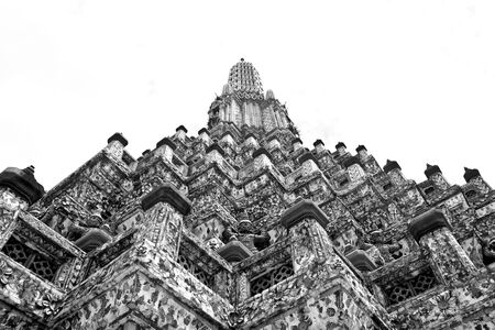 wat arun: Black and white uprisen angle of Phra Prang at temple of dawn, Thailand