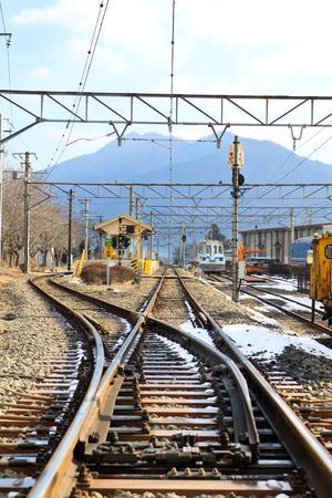 railway transportation: Railway transportation in winter seasoncenter focus