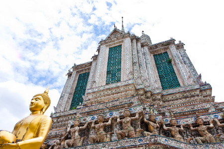 wat arun: Pagoda and statue in attractive temple