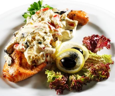 steak plate: Salmon Steak Plate under Vegetable with Cream
