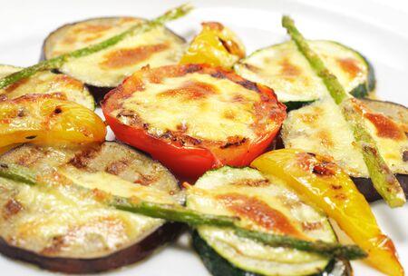 """contorni: Contorni - verdure grigliate sotto """"Sabayon"""" Suace fritto con asparagi verdi"""