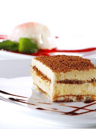 tiramisu: Dessert - Tiramisu au fromage avec sauce au chocolat Banque d'images