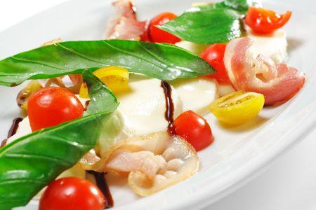 tomate cerise: Salade - Tomate cerise � Buffalo et Bacon