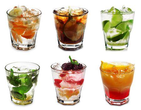 cocteles de frutas: Colecci�n c�ctel aislados sobre fondo blanco Foto de archivo
