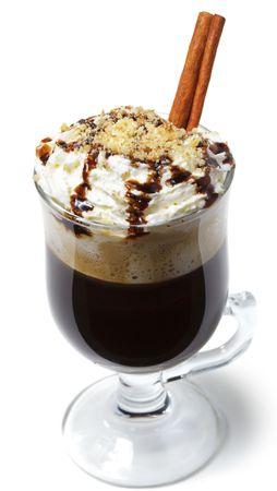 cioccolato natale: Bevande calde - con rum e caff�. Servite con panna montata e cannella Stick e noci