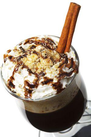 slagroom: Warme drank - chocolade met rum en koffie. Geserveerd met Whipped Cream en kaneel stick en noten