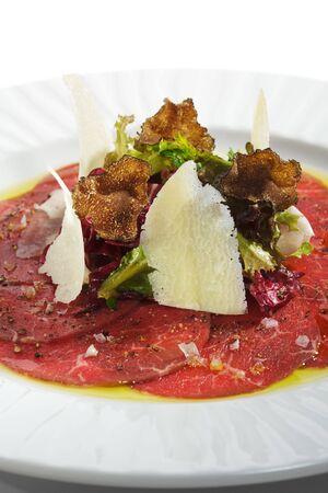 truffe blanche: Carpaccio de boeuf avec salade, Nero e Bianco Tartufo (truffe noir & blanc)