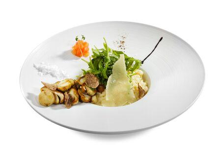 truffe blanche: Risotto de Roquette et Tartufo Bianco (truffe blanche) et Porcini de tomates  Banque d'images