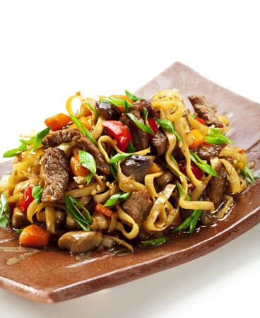 fried noodle: Japanese Cuisine - Fried Noodles (udon) with Beef and Vegetables