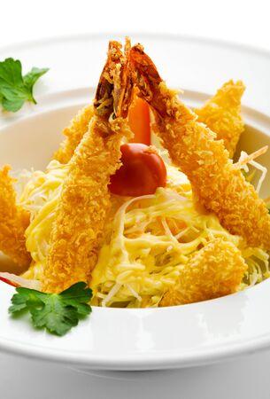 miettes: Cuisine japonaise - crevettes frites avec l�gumes Banque d'images