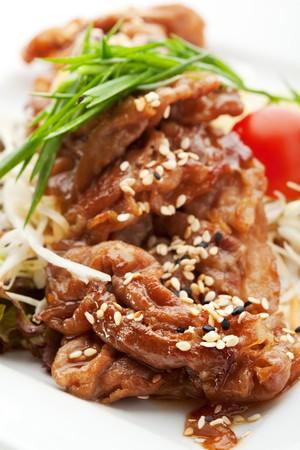ajonjoli: Carne de cerdo con verduras en salsa de jengibre