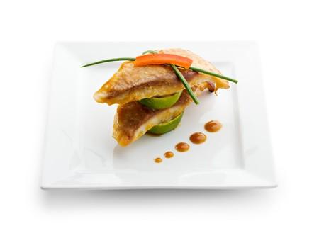 Gebakken vis met limoen en saus