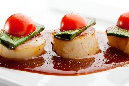 tomate cerise: Ap�ritif - mer pectiniculture avec sauce teriyaki et tomates cerises Banque d'images