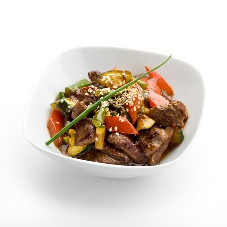 Ternera con verduras y salsa picante  Foto de archivo