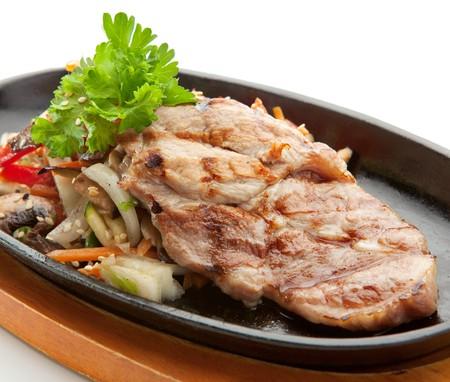 Gegrild voedsel - BBQ varkens vlees met groenten