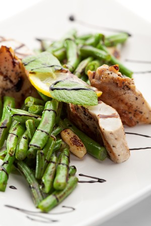 fryed: Grilled Foods - Fillet of Chicken with String Beans and Sauce