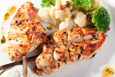 Grilled FIllet of Chicken Garnished with Cauiliflower Stock Photo - 8006295