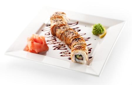 japanese sake: El salmón y la anguila ahumada Maki Sushi